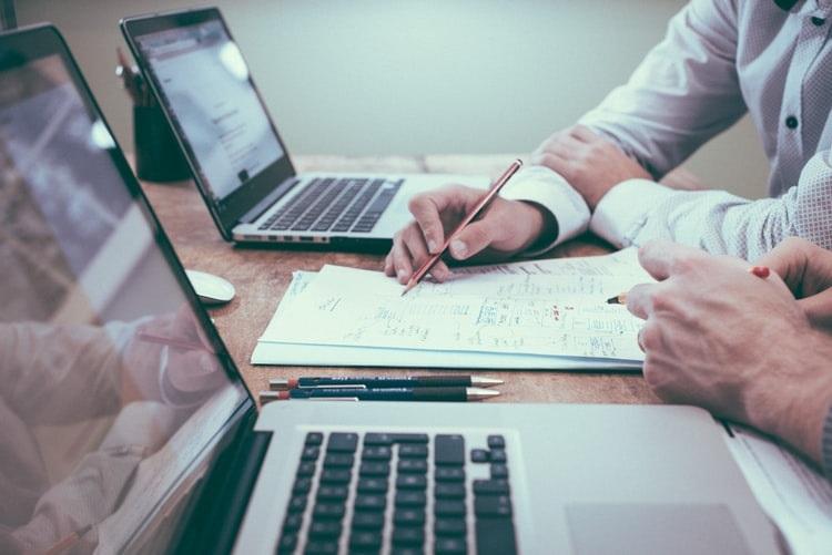 Como as soluções gráficas da Corgraf podem ajudar sua empresa a reduzir custos e melhorar a logística